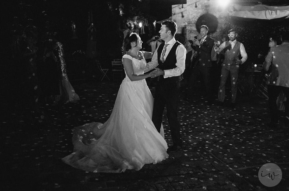 Romantic blessing at Borgo Stomennano first dance