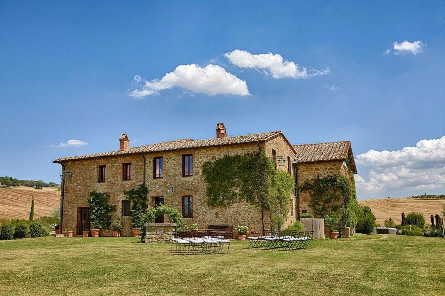 Small villa in Val D'Orcia Tuscany for wedding panorama
