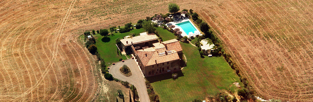 Small villa in Val D'Orcia Tuscany for wedding birdseye