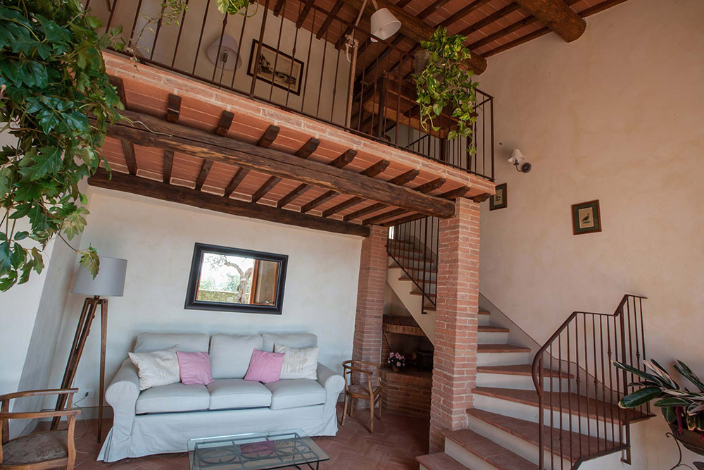 Tuscany romantic small wedding villa apartment