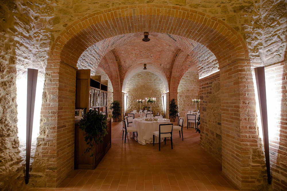 Tuscany romantic small wedding villa halls