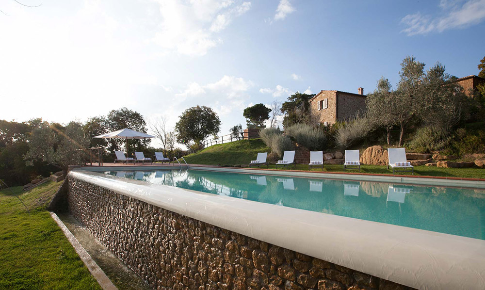 Tuscany romantic small wedding villa pool