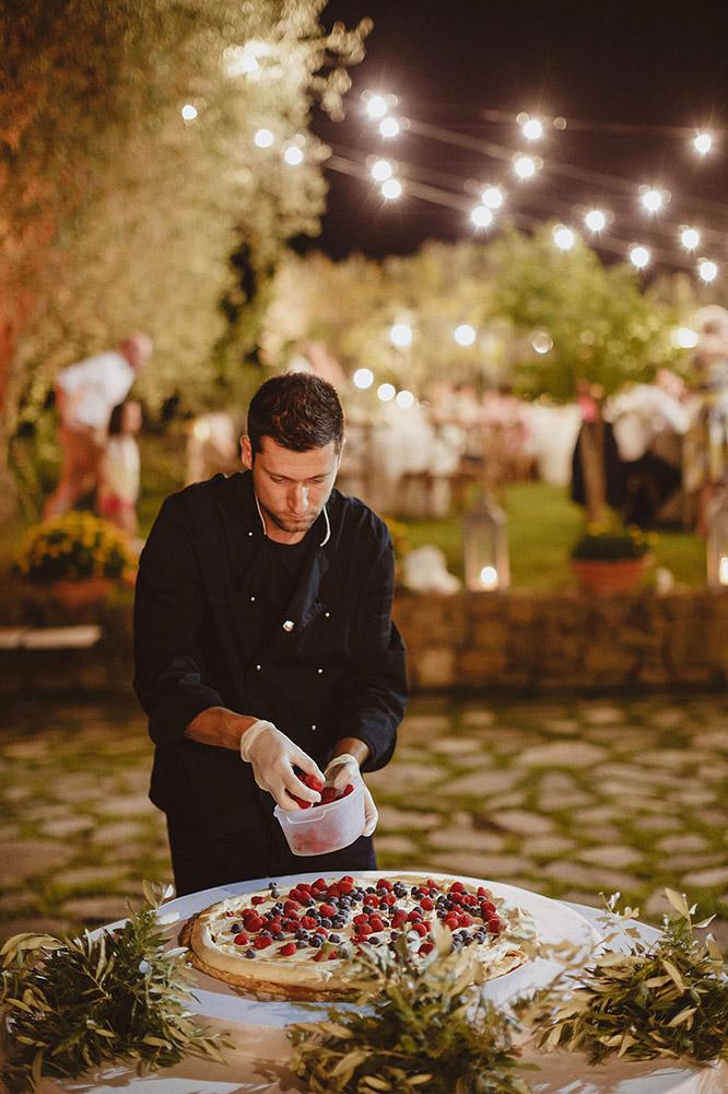 Tuscany romantic small wedding villa cake