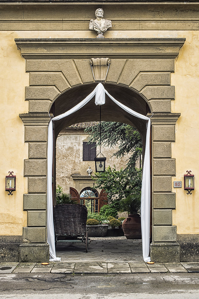 Villa Medicea di Lilliano Florence wedding venue entrance