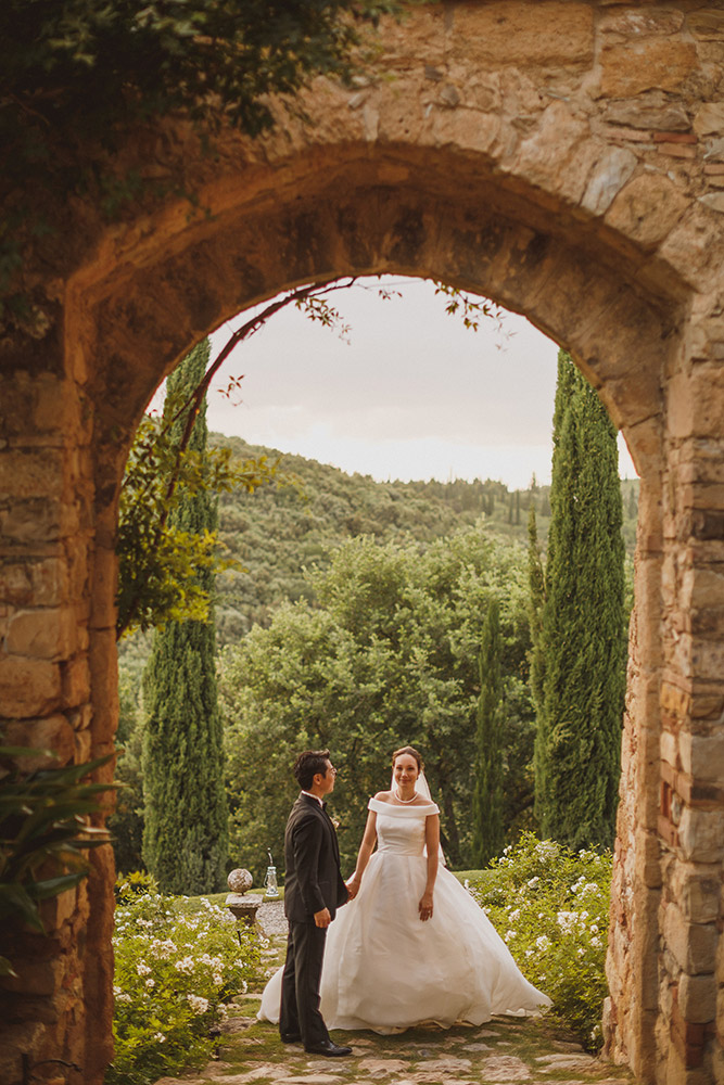 Southern Tuscany medieval hotel for weddings