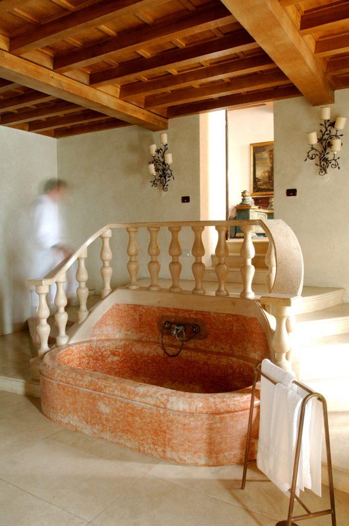 Coastal villa near Rome wedding venue bathroom