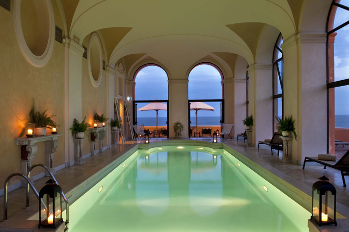 Coastal villa near Rome wedding venue pool
