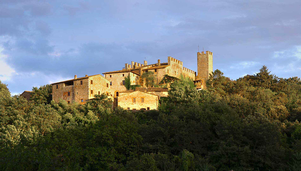 Castle in Siena countryside wedding venue panorama