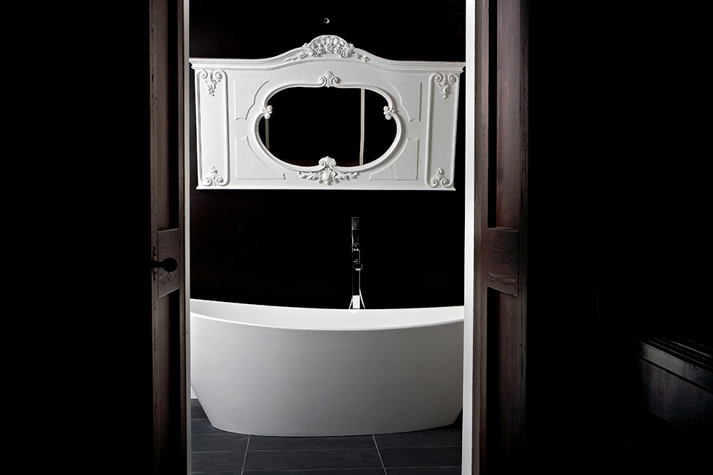 Italy Umbria small luxury hotel wedding venue bathroom
