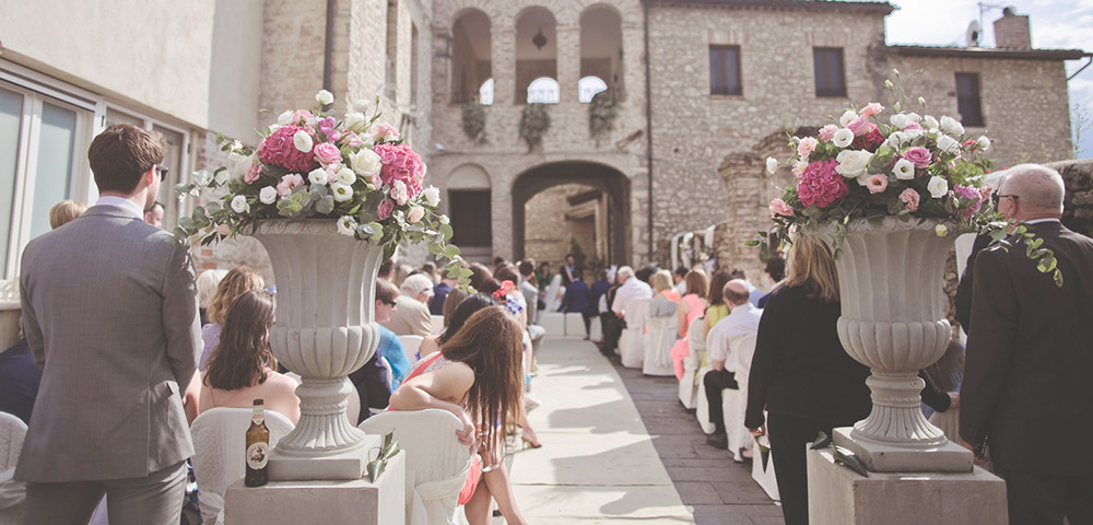 Italy Umbria small luxury hotel wedding venue ceremony
