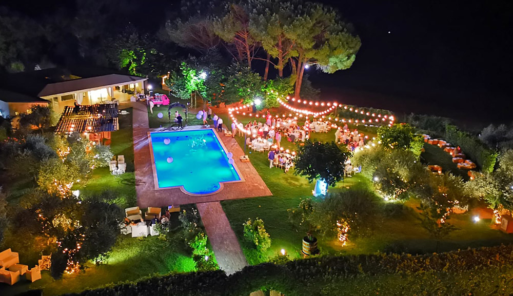 Italy Umbria small luxury hotel wedding venue pool