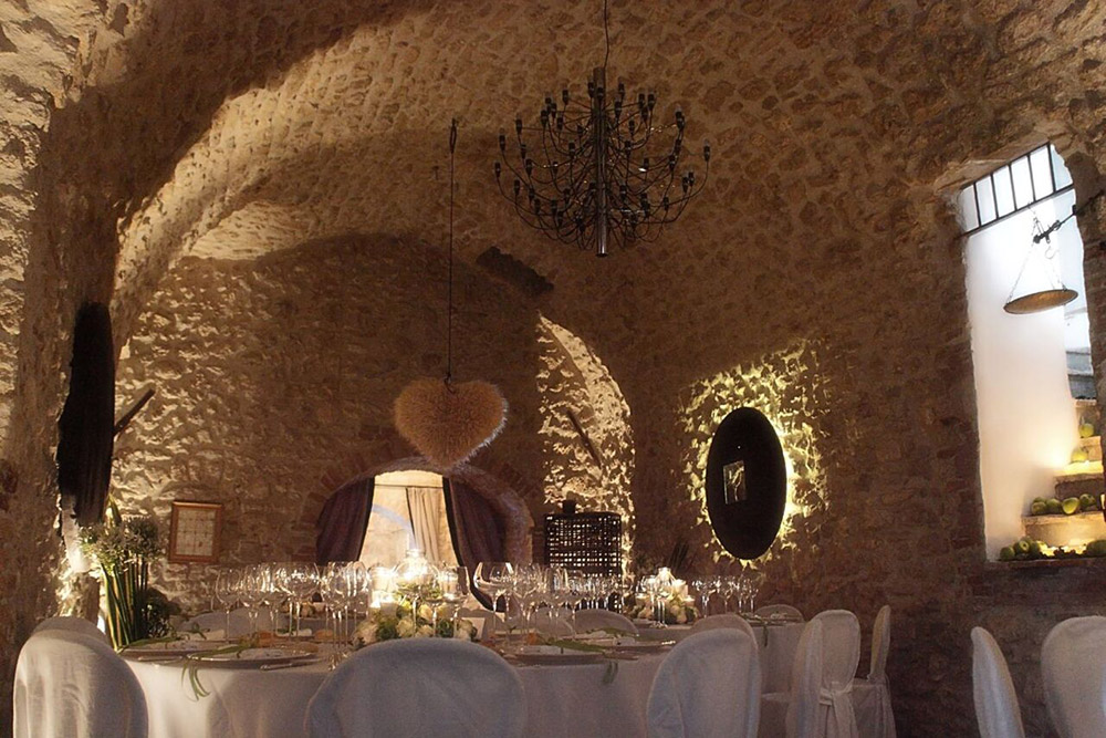Italy Umbria small luxury hotel wedding venue meal