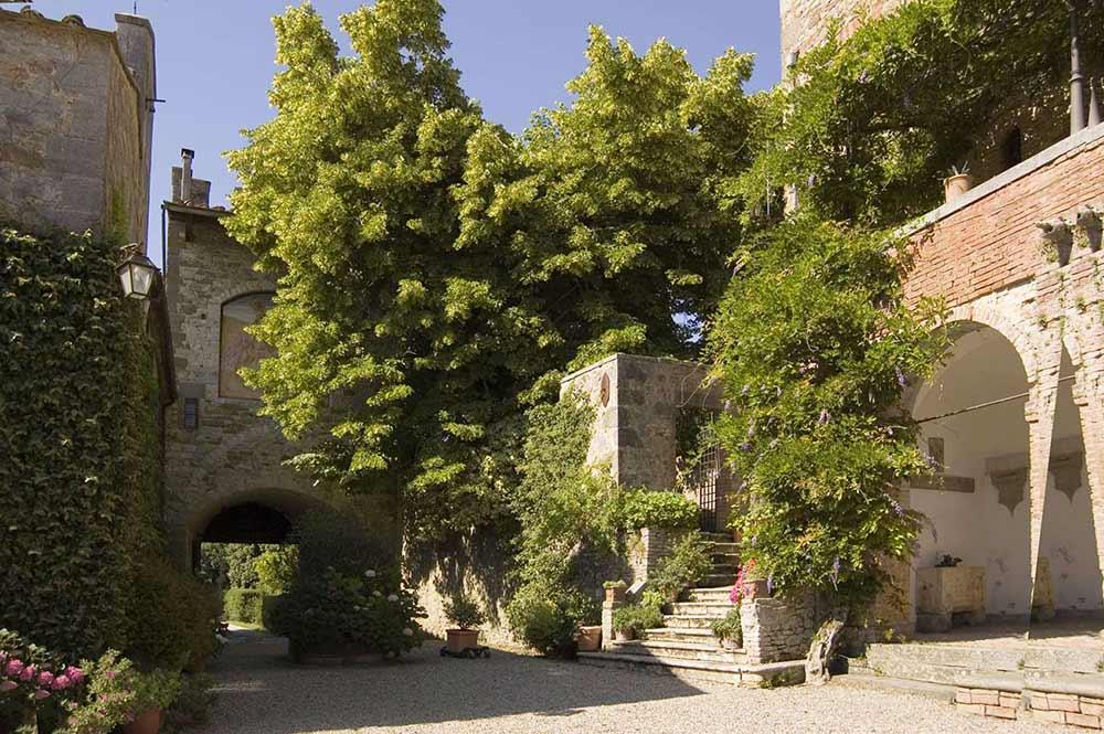Castle in Siena countryside wedding venue courtyard