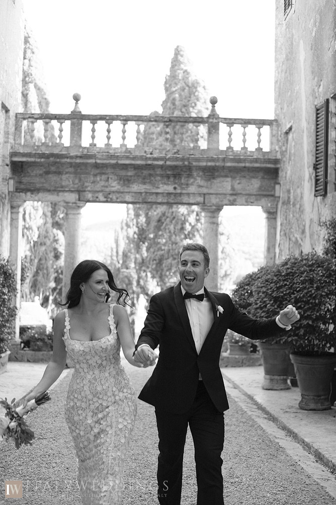Villa Stomennano wedding formal countryside event in Tuscany entrance
