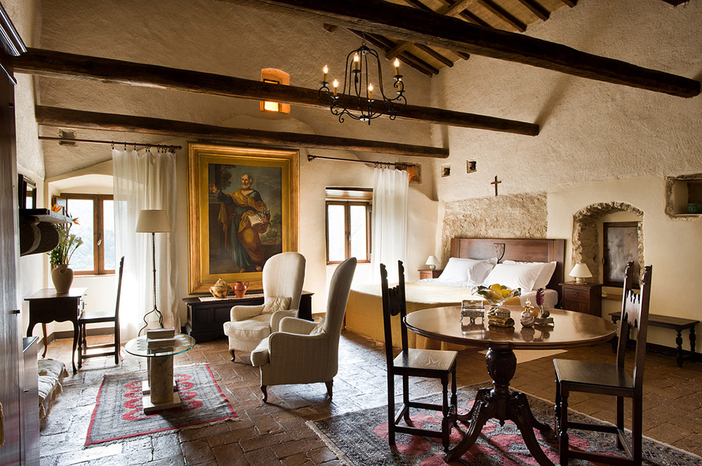 Abbey in southern Umbria wedding venue lounge