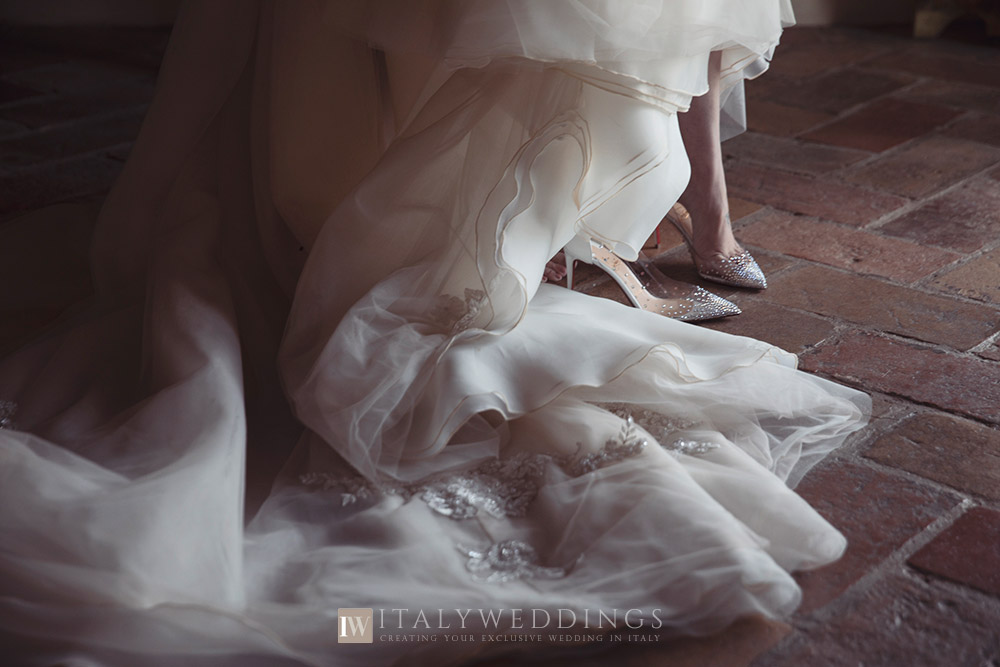 A blessing in Umbria private villa dress