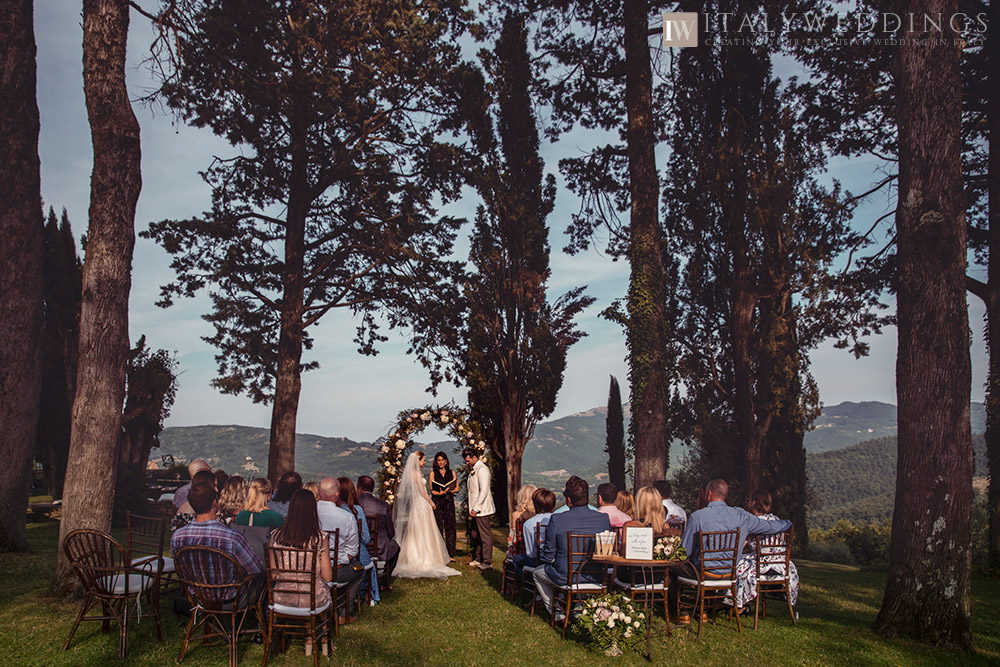 A blessing in Umbria private villa ceremony