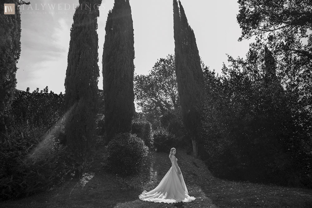 A blessing in Umbria private villa ceremony bride
